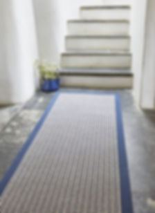 Wool-Devonian-Raleigh-rug-with-Navy-Bord