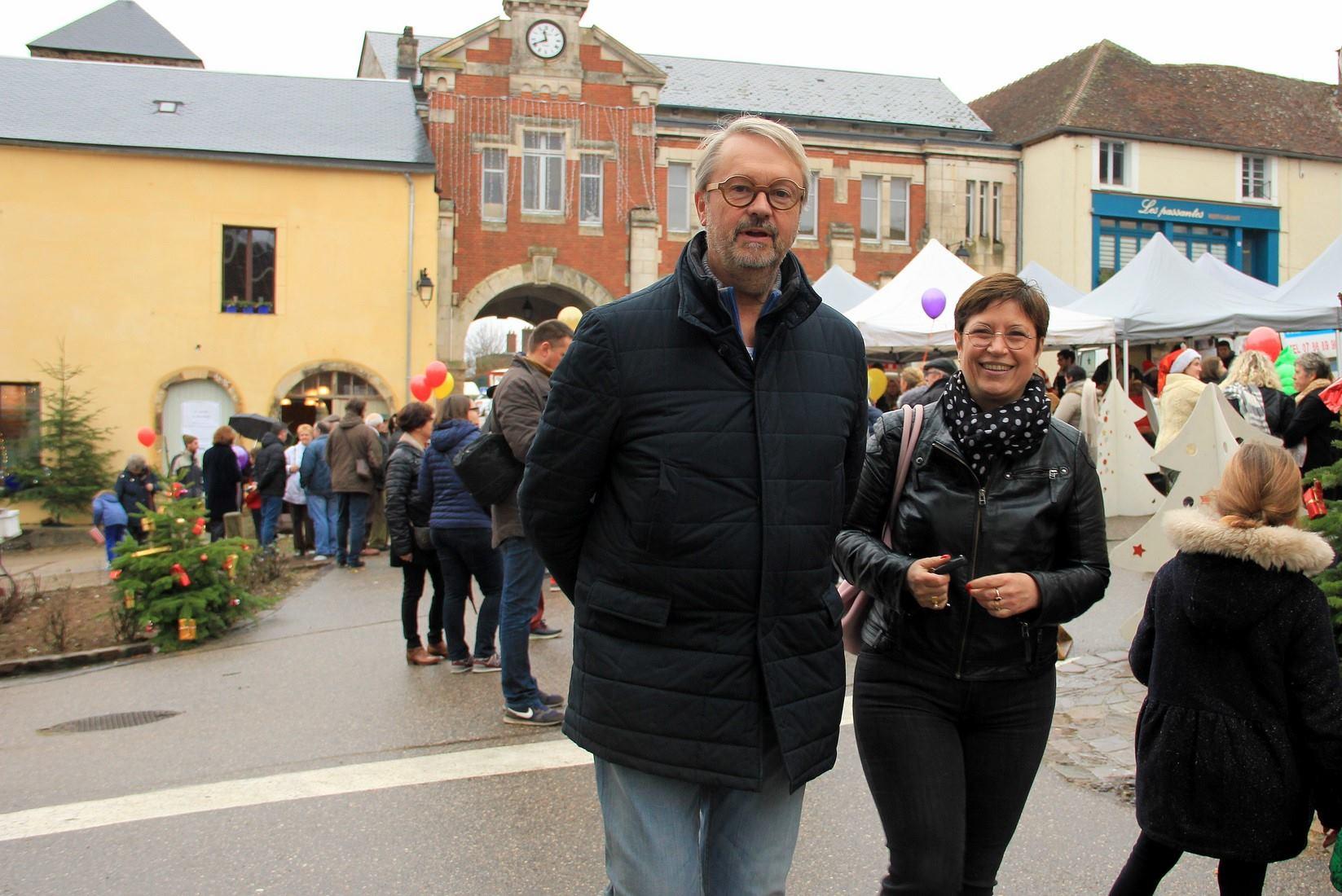Marché de Noel de Saint-Sauveur-en-Puisaye, le 23 décembre