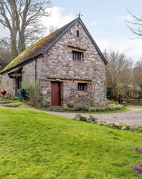 sycamore barn crickhowell.png