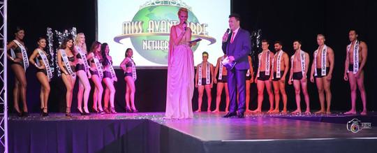 Presentatie finale Miss Avantgarde 2016  Fotografie: Hans Lachman Designer: David Cardenas