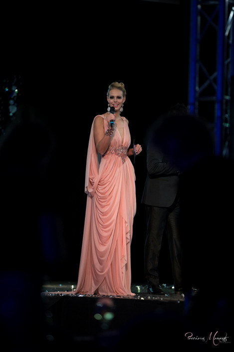 Presentatie finale Miss Avantgarde 2016  Fotografie: Jacqueline Verhoef Designer: David Cardenas