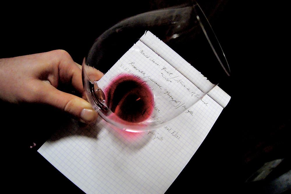 Il pinot nero dà vini rosso rubino trasparenti
