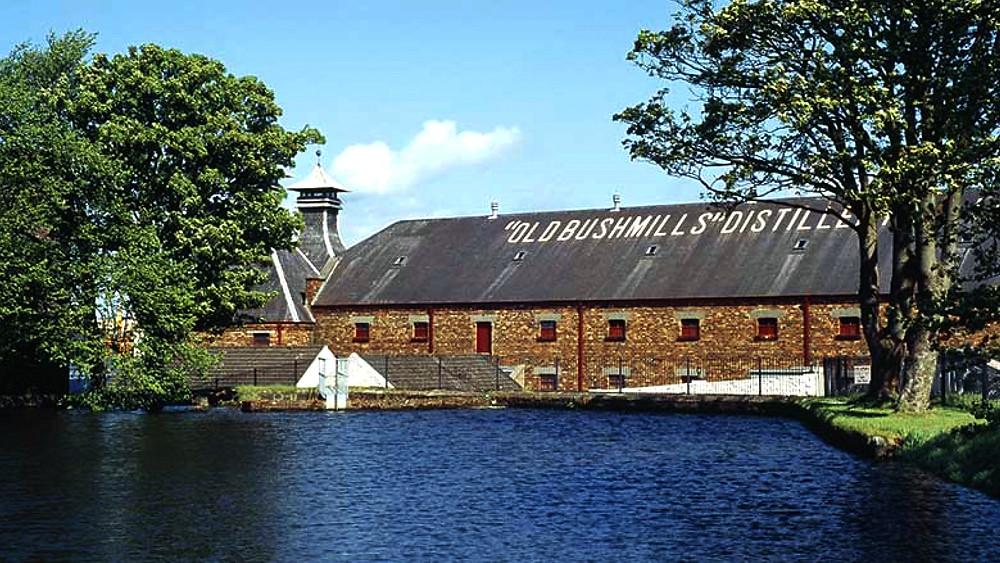 nel 1800 il whiskey irlandese era il più famoso