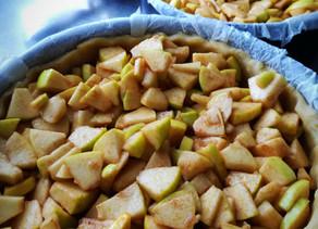 La torta di mele e cannella. Delizia per il palato.