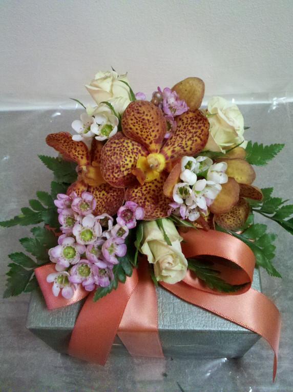 Fresh Floral Gift Box