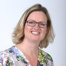 Lachend portret van Marjolein Vink van Zilvervink Communicatie.
