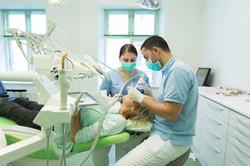 Tandlæge Javid Sanaye