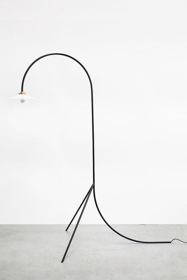 v9015013z_mullervanseveren_standinglamps