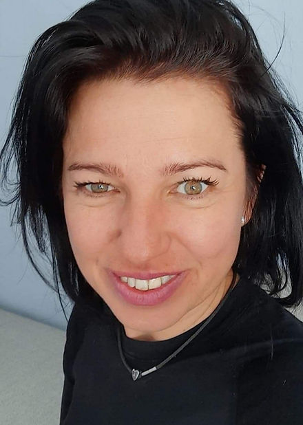 Profilbild_Emese Csaki Webdesign mit Boo