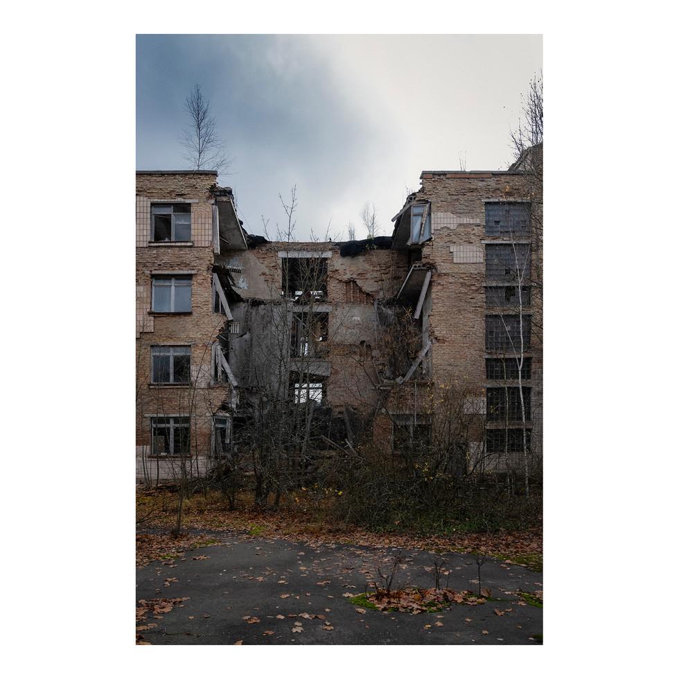 Pripyat, l'école s'effondre. Et elle n'est pas la seule.