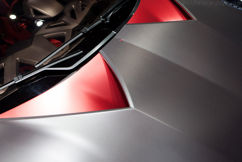 Lamborghini-Sesto-Elemento-100655.jpg