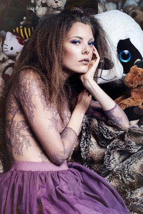 Model: Celia Krug Agentur: East West Models Fotografin: Aylin Reckermann
