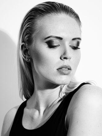 Model: Jacqueline Oh Fotograf: Simon Zimbardo