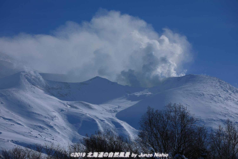 火山の息吹 十勝岳