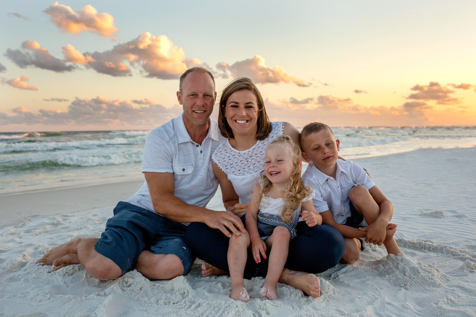 Wonderful beach family portraits