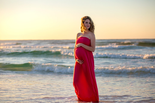 Maternity and waves portrait