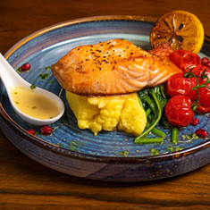 SALMON FILLET ( Herb crusted  or Plain )
