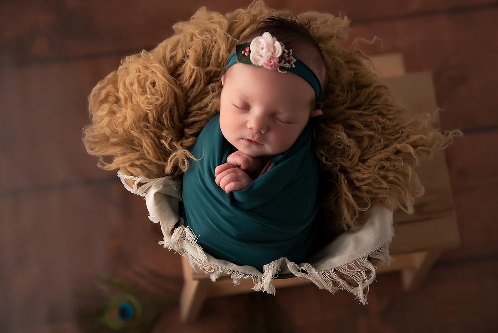 Bébé endormi - nouveau né en séance photo - séance photo de naissance - shooting nouveau-né - Virginie Peigne Photographie