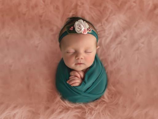 Un photographe spécialisé pour les photos de naissance de votre bébé, top ou flop ?