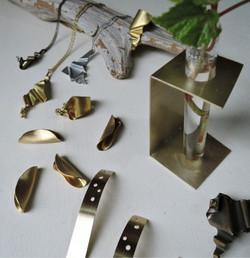 NATSU(なつ)「金属のアクセサリーとくらしの小物」展