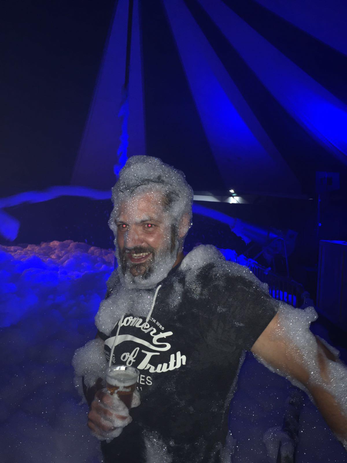 Schuimparty tijdens de kermis 2016
