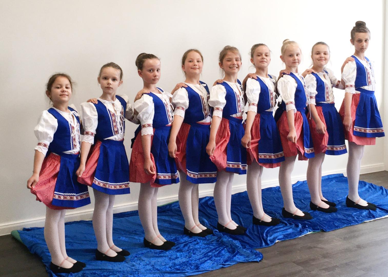 Slovakischer Mädchentanz