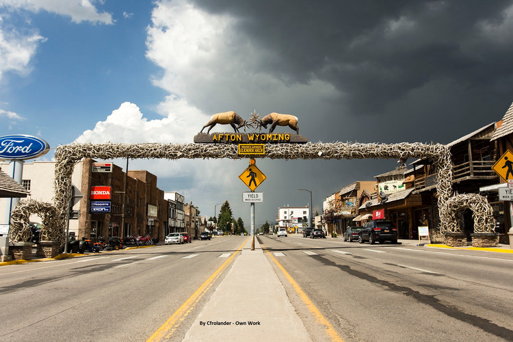 1920px-Afton_Wyoming_Elkhorn_Arch_July_3