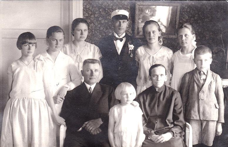 Hotin perhe 1929.jpg