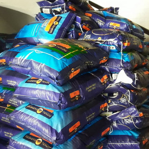 Government supplies food items to School Feeding caterers
