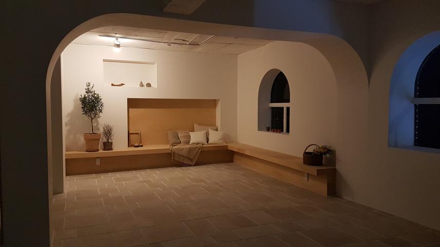 thewave studio 2b room