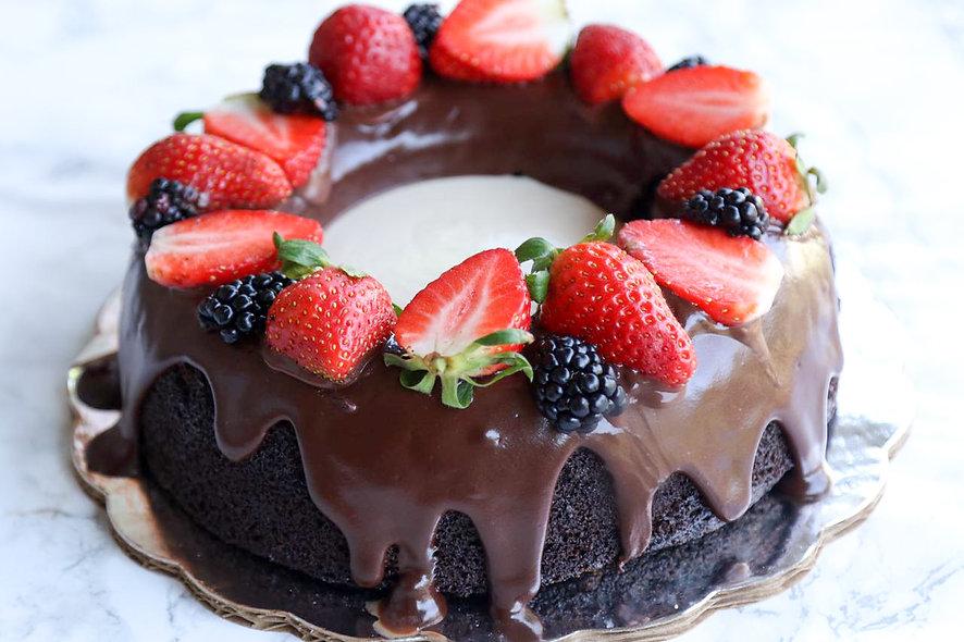 Rosca de Chocolate y Frutos Rojos