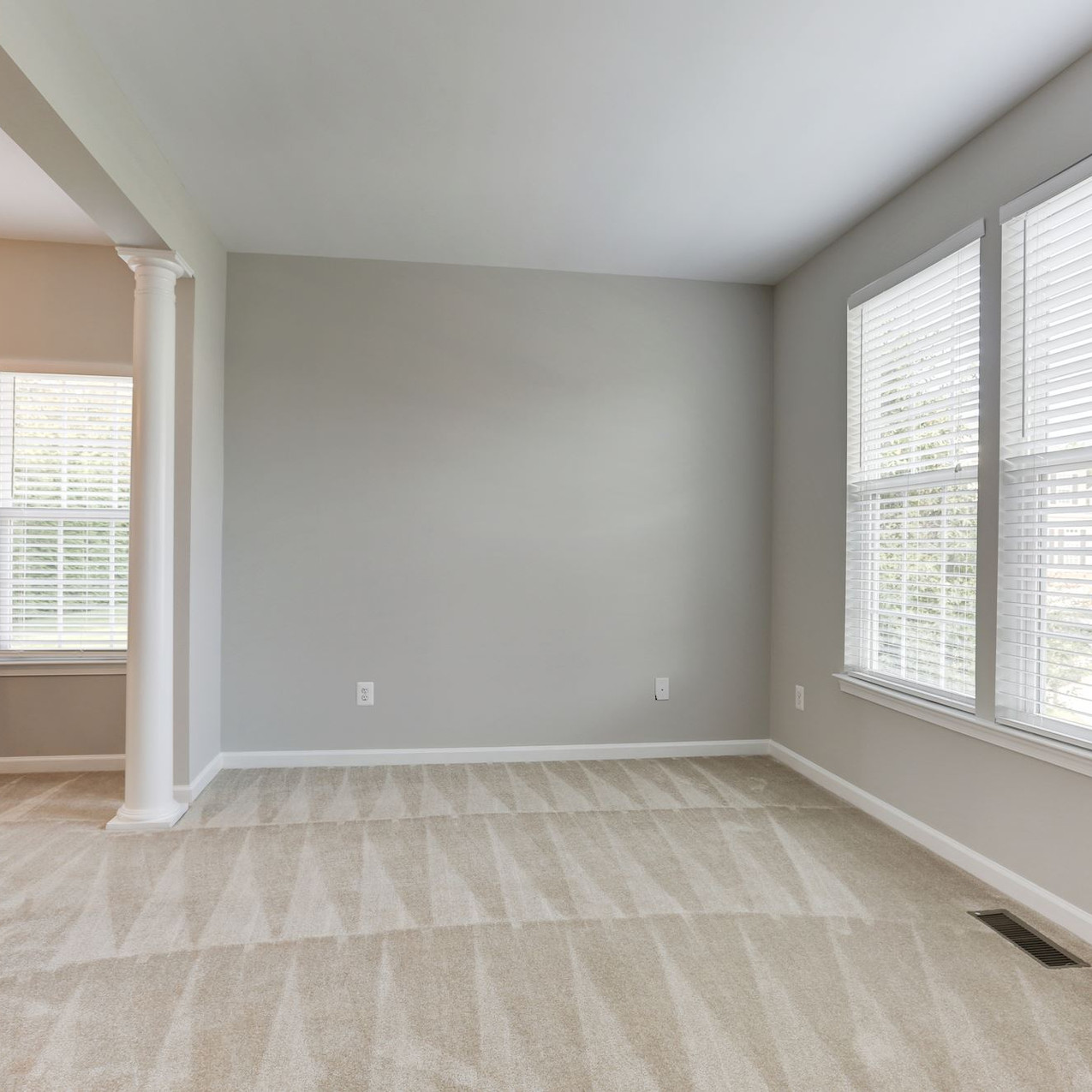 1694 Winterwood Living Room