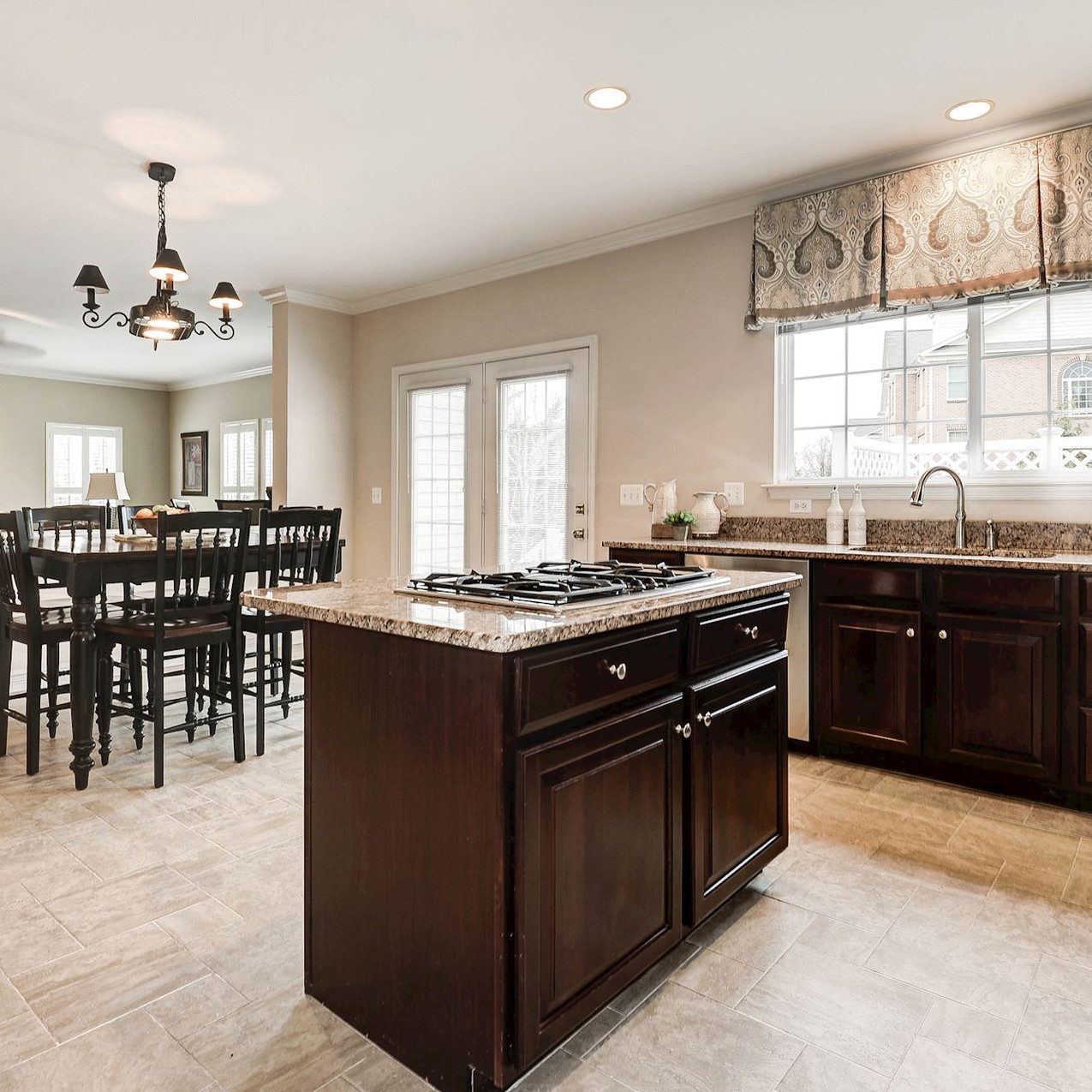 Center Kitchen Island