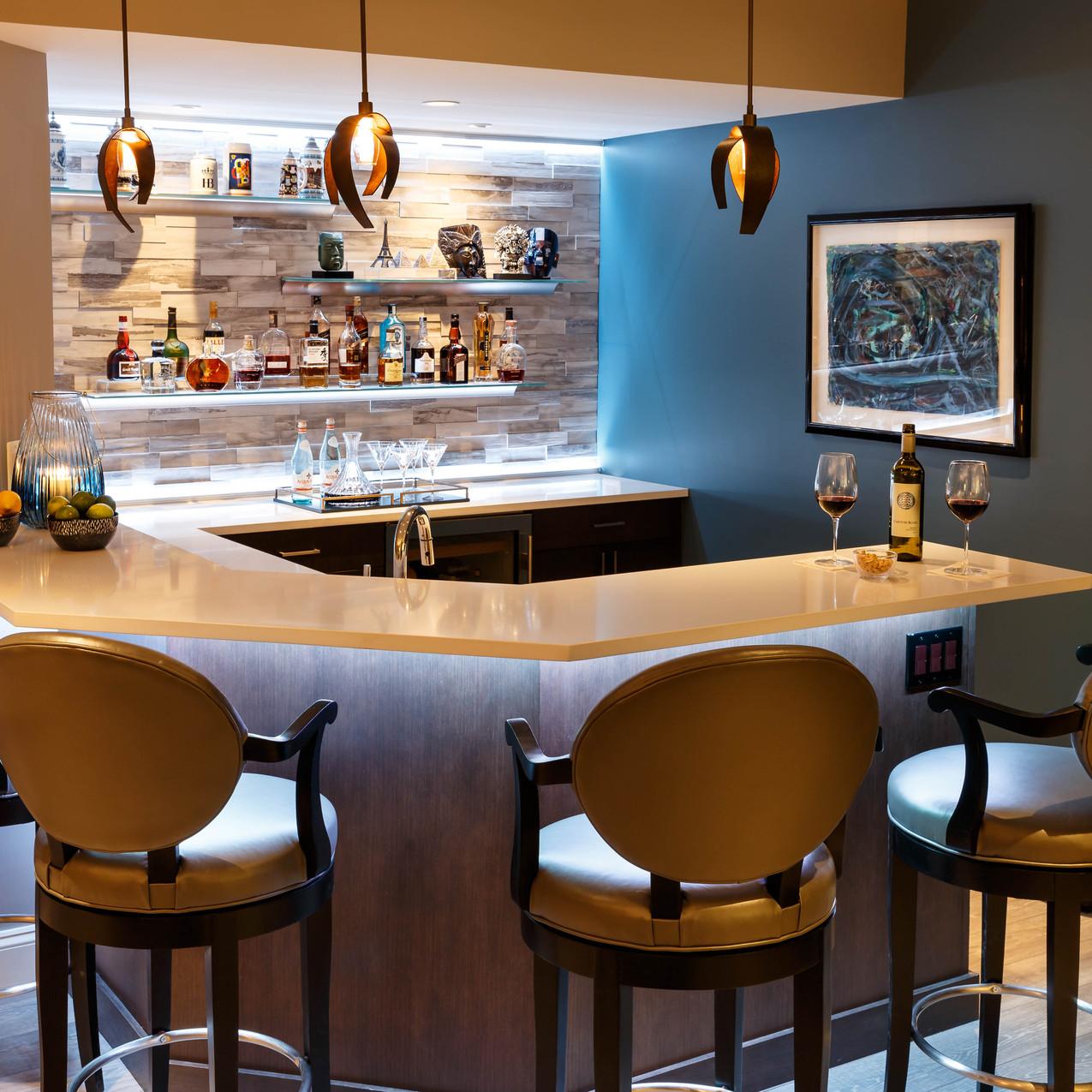 Levergood-bar-wall-white