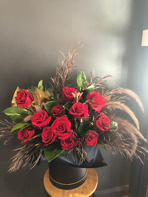 1 Dozen Red Rose Hat Box