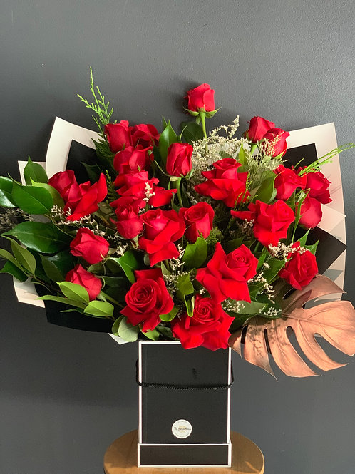 2 Dozen Red Rose Hat Box