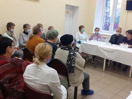 Главный врач Луховицкой ЦРБ Галина Пончакова провела встречу с жителями поселка Фруктовая