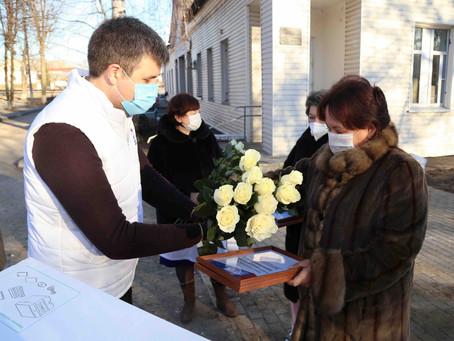Поздравили луховицких медработников с Днём героев Отечества!
