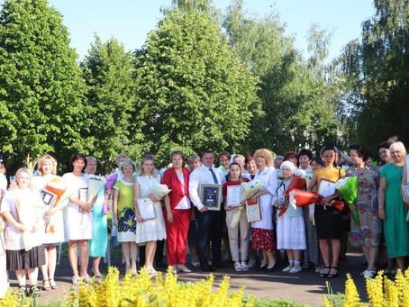Традиционно, в третье воскресенье июня медицинские работники отмечают свой профессиональный праздник
