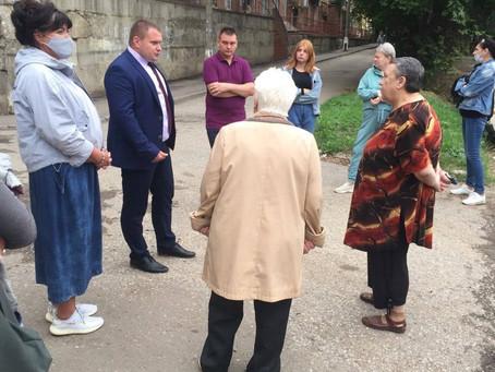 Очередная неформальная встреча главного врача Н. Макарова прошла с жителями города.