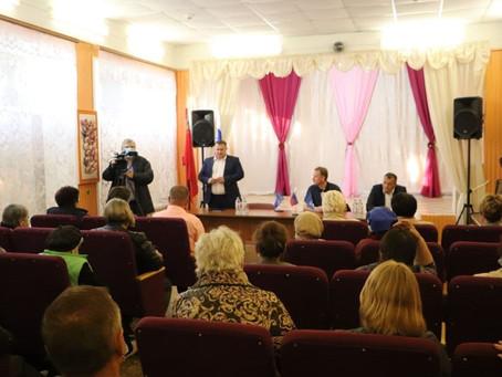 В прошедшую пятницу традиционная встреча с населением прошла в деревне Новоселки.