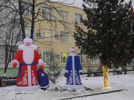 Новогоднее настроение для жителей создали на территории Луховицкой ЦРБ