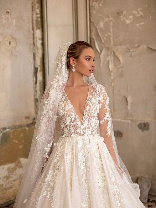 Wona Concept Agape wedding dress front 2 - Superior Bridal Couture Toronto