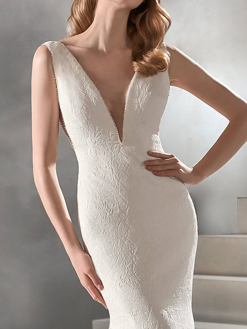 Atelier Pronovias Racimo wedding dress