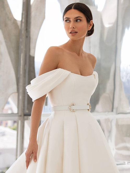 Pronovias Lynn wedding dress