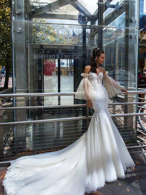 Wona Concept Loren wedding dress front - Superior Bridal Couture Toronto