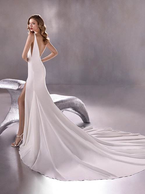 Atelier Pronovias Blue Moon wedding dress