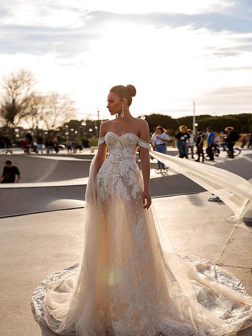 Wona Concept Doris wedding dress front - Superior Bridal Couture Toronto