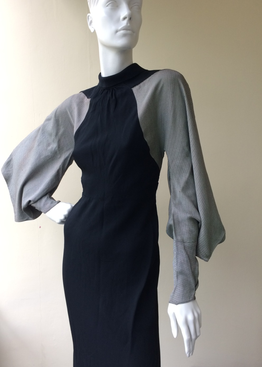 1930s dress with great sleeve
