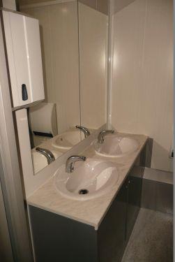 mietlift.ch Vezeko WC-Wagen Lavabo mit Frischwasser.Anhänger-Center Räterschen